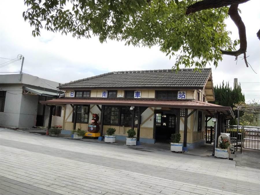 民代力爭松柏港至泰安車站公車路線,將可串連溪北地區觀光景點,圖為日南火車站。(陳淑娥攝)