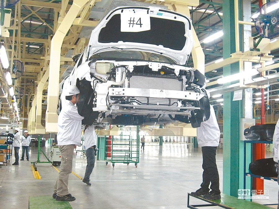 兩岸服務貿易協議過關遙遙無期,原本汽車業引頸期盼的貨貿協議也被延宕,台灣汽車業跟著卡關。(本報資料照片)