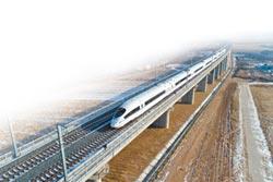 大陸高鐵再創新紀錄 運送超過100億人次