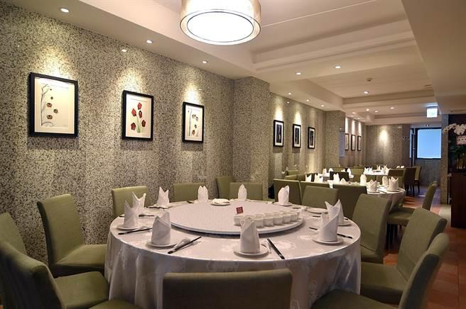〈申浦尚宴〉共有5層樓,5樓是廚房,其餘4個樓層各有不同裝潢。(圖/姚舜)