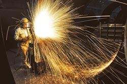 中美貿易戰經濟放緩-貿戰紛擾未決 台GDP成長恐剩2.2%