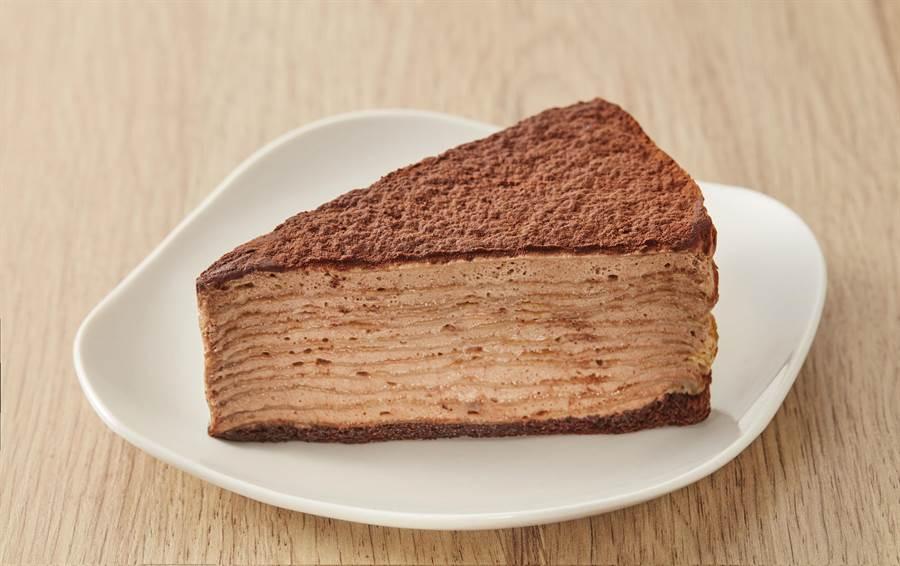 全聯We Sweet x Hershey's經典巧克力千層,內餡使用HERSHEYS巧巧克力醬製成巧克力鮮奶餡,明年1月4日起推出,55g/片,58元。(全聯提供)