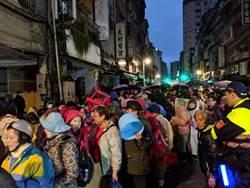 龍山寺藥師燈增至6萬信眾熱情仍不減