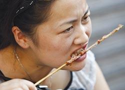 中國靠吃慰藉心靈