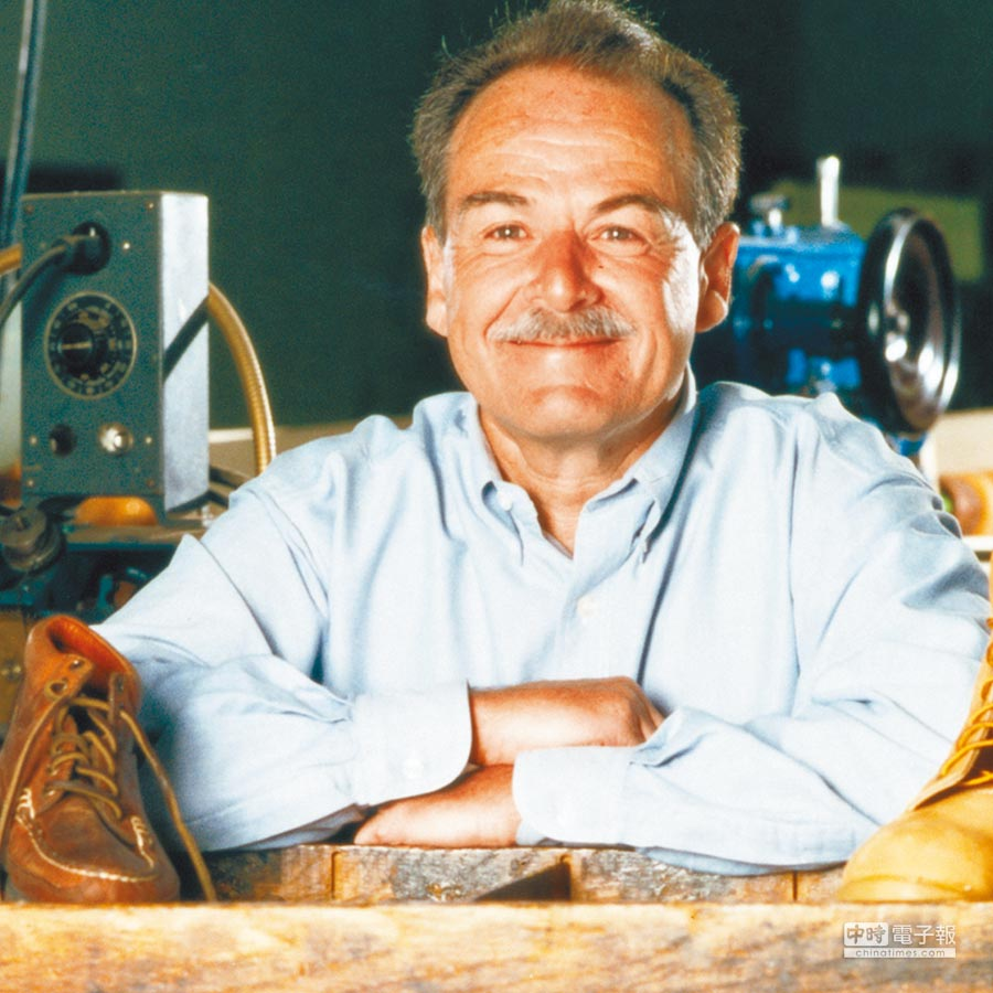 Timberland經典黃靴獨創的防水設計,出自Sidney Swartz希望打造讓雙腳乾爽靴子的構想。圖片提供各品牌