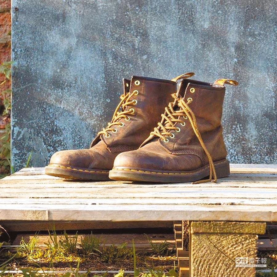 Dr. Martens最初的訴求,是希望打造一雙輕便舒適的工作靴。圖片提供各品牌
