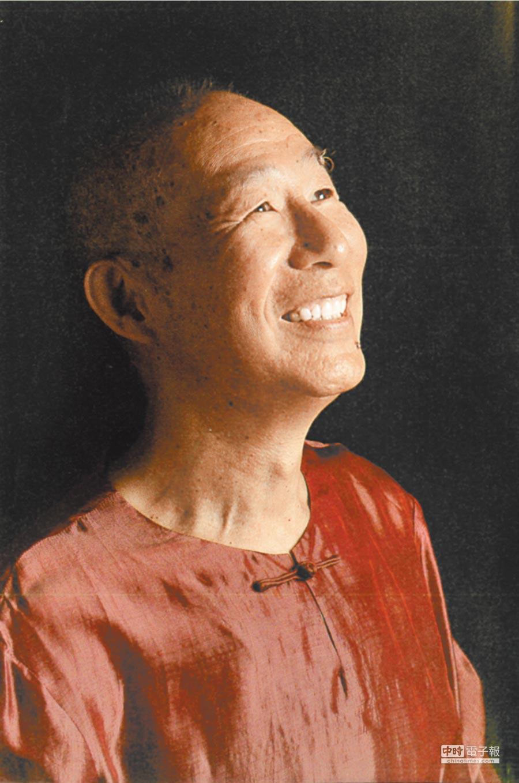 李奇茂讚譽王秀杞是「大地孕育出的藝術家」。(王秀杞提供)