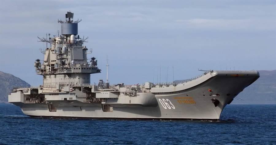 俄國可能請大陸幫忙修理與改進庫茲涅夫號航艦,而俄國則提供大陸軍艦引擎技術。(圖/俄國海軍)