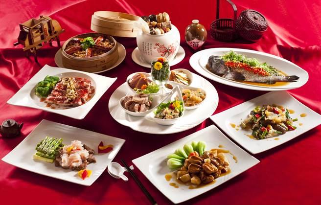 海華樓的成套常溫年菜。(台中福華大飯店提供)