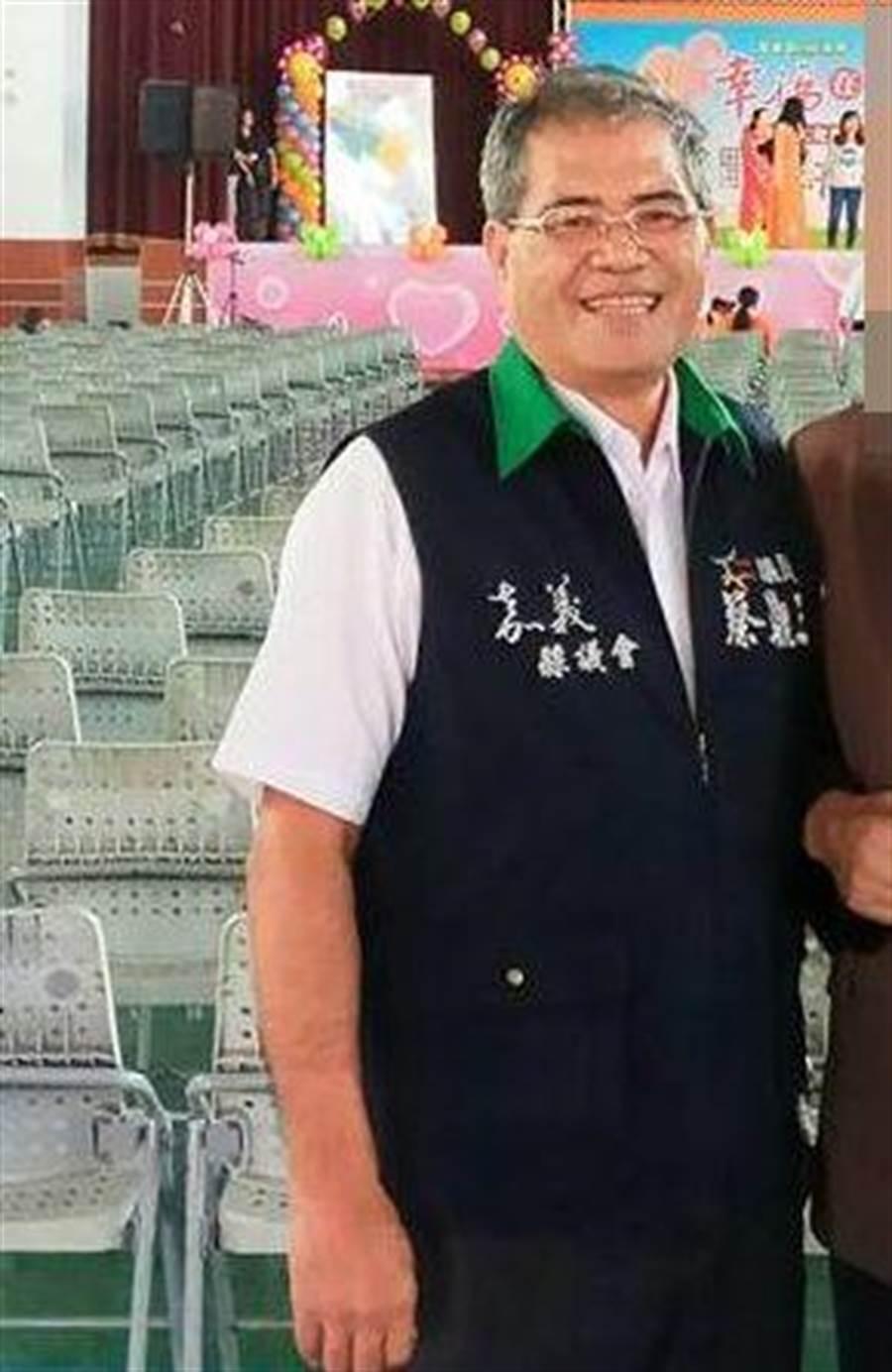 三連霸嘉義縣議員蔡鼎三(左)病逝。(翻攝自蔡鼎三臉書)