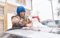 冷經濟熱起來 陸從吃火鍋到賣雪