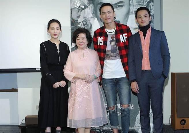 林映唯(左起)、陳淑芳、黃鐙輝、李晏駒。(公視提供)