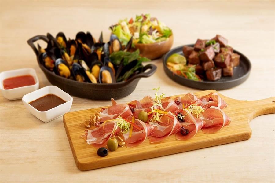 台北喜來登12廚平日自助晚餐劵(2張1組),於JASONS集10點+1899元加價購或50點免費兌換。(JASONS提供)