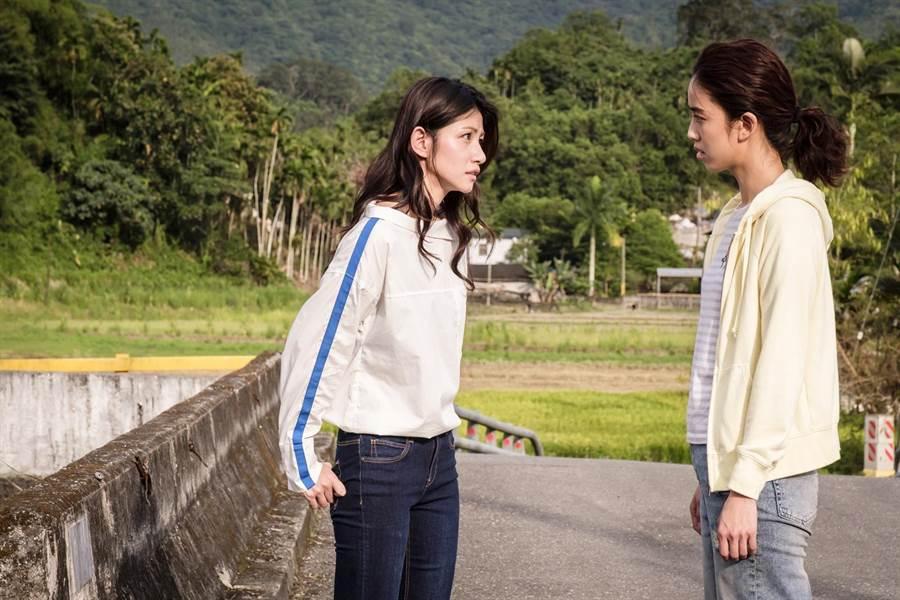 劇中李千那和陳庭妮在不知情的狀況下先後與劉以豪交往。歐銻銻娛樂提供
