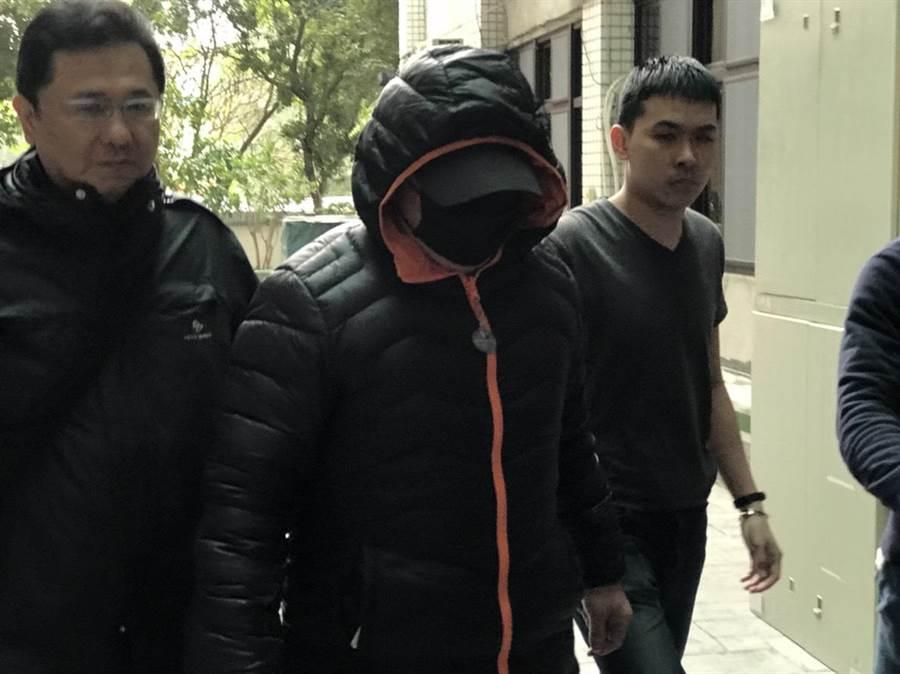 警方逮獲涉嫌劫財劫色主嫌。(葉德正攝)