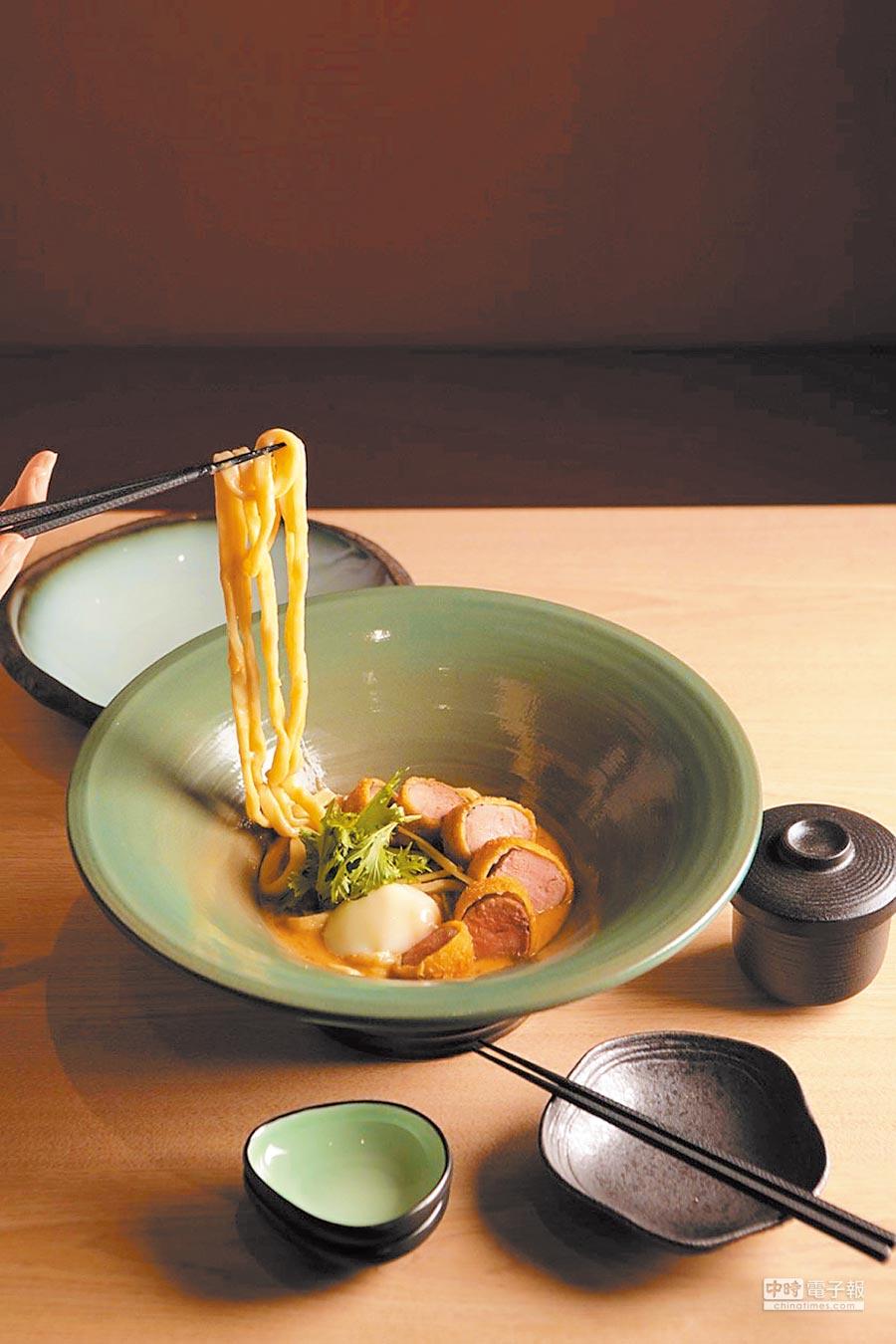 金 圖片提供MITSUI OUTLET PARK台中港沢製麵処飄香150年烏龍麵