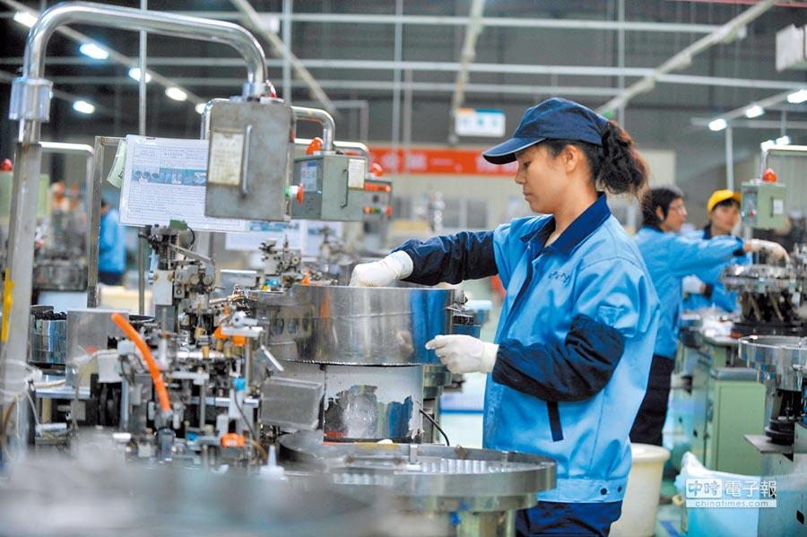 台商面臨科技產業劇變,電子廠須面臨轉型。(新華社)