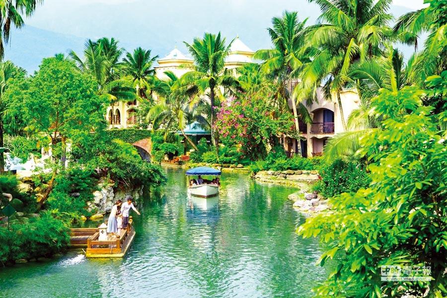 理想大地園區內擁有2.2公里的運河,旅客搭遊艇環繞與大自然零距離接觸是一大享受。圖/業者提供
