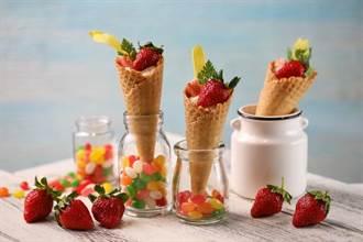 花園蟹肉草莓甜筒!吃到飽也能「莓」飛色舞