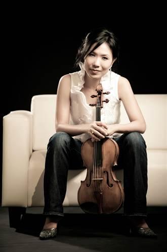 黃心芸獻藝中提琴開趴