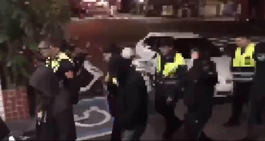 鄭姓少女撂人追砍前男友,三重分局逮捕其中涉案7人送辦。(吳岳修翻攝)