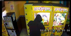 無業男沉迷夾娃娃 磁鐵狂吸鐵盒淪竊賊