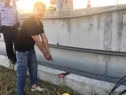 西濱快速公路電線遭竊 百餘盞路燈「失明」