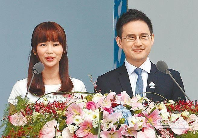 「口譯哥」趙怡翔(右)。(本報資料照片)