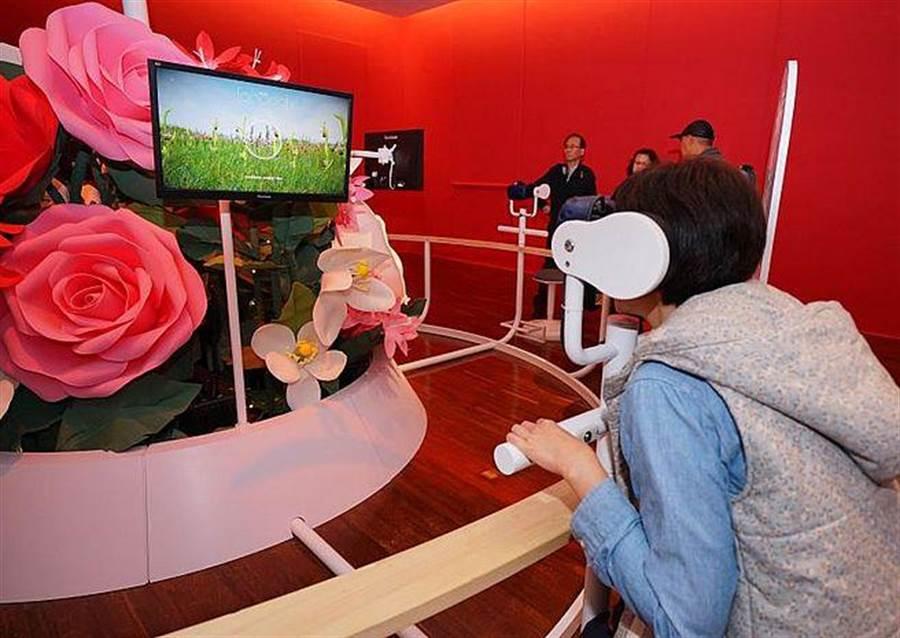 昆蟲媒人婆區提供4種情境VR體驗。(台博館提供)