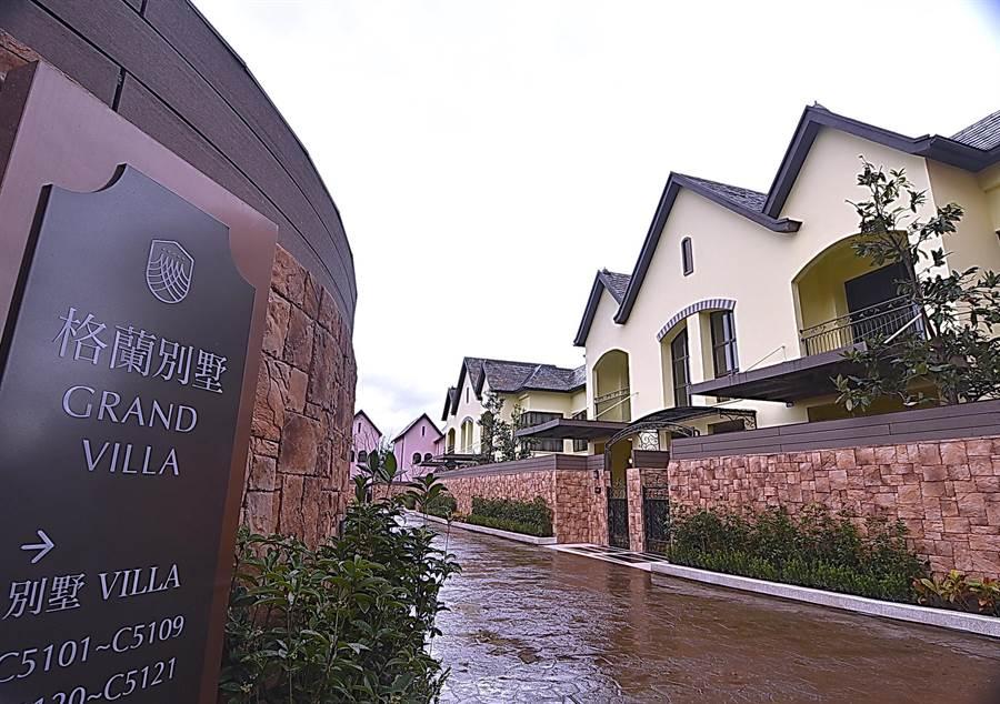 瑞穗春天酒店內的「格蘭別墅」區,內有5種不同規格的Villa別墅,坪數從自24坪起,最大一間有136坪。(圖/姚舜)