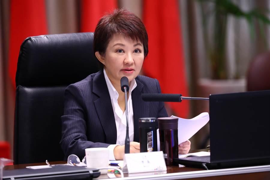 台中市長盧秀燕8日在市政會議強調,減少燒煤發電,絕對是正確的方向,改善台中的空汙,不能手軟。(盧金足攝)