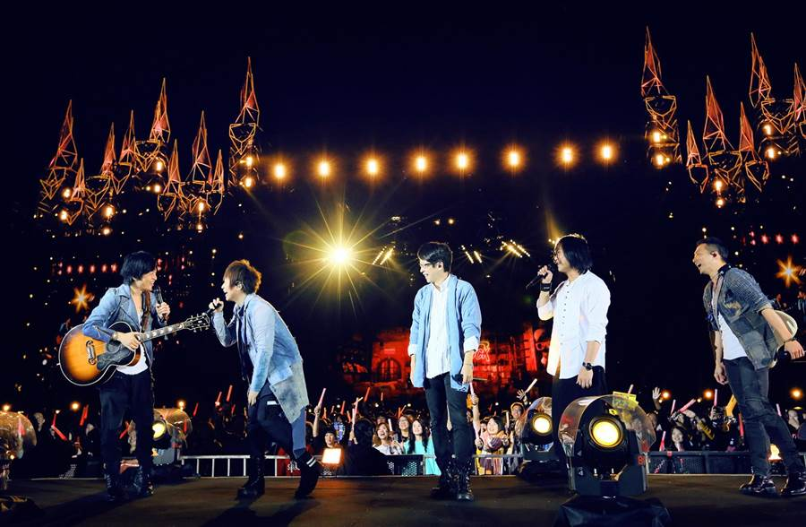 五月天「人生無限公司」巡演6日正式落幕。