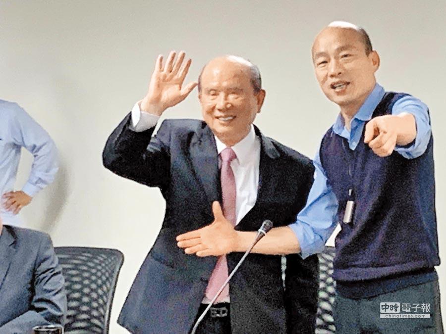 義联集團創辦人林義守(左)7日率團拜會高雄市長韓國瑜(右),宣布加碼投資700多億。(柯宗緯攝)