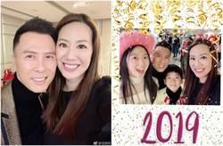 甄子丹拍全家福 60歲岳母辣開高衩凍齡不科學!