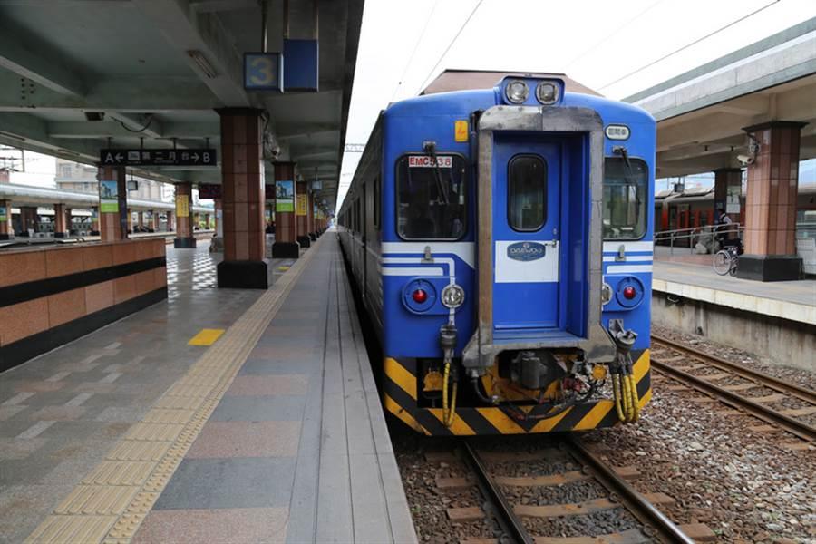 台鐵機車托運將於3月1日走入歷史。(示意圖/本報資料照)