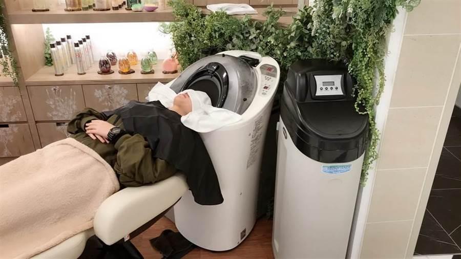 在1/10~1/20只要預約就能免費體驗這台洗頭機!(圖/編輯攝影)