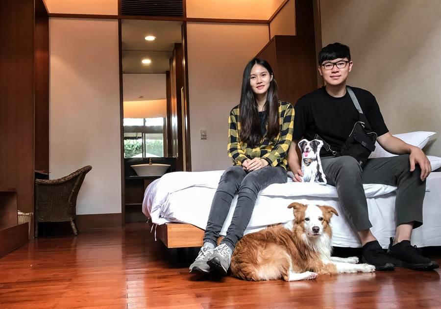 莊珺涵偕同男友,帶著毛孩「布布」進住鹿鳴溫泉酒店的高檔寵物溫泉客房。(莊哲權攝)