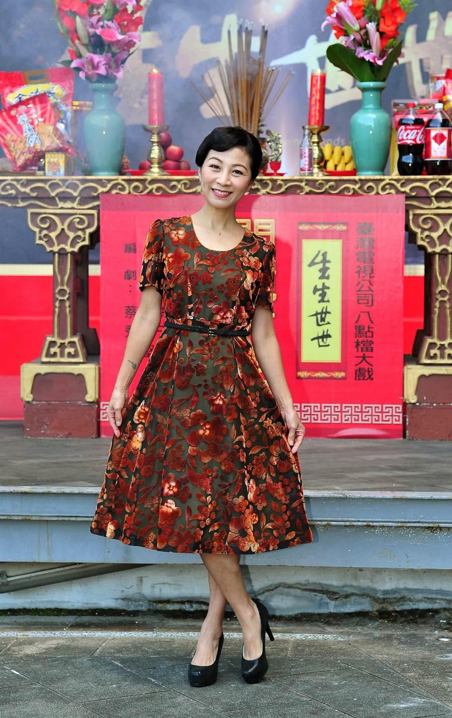 方文琳穿媽媽50年前的衣服出席。(台視)