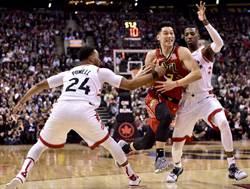 NBA》林書豪貢獻關鍵助攻 老鷹險勝七六人