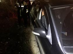 男敲破車窗偷財物 連犯10多起後被逮