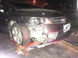 國3通霄路段胎皮掉落 12部車輛慘遭波及