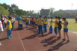玉井國小運動會 身障生坐輪椅參加賽跑
