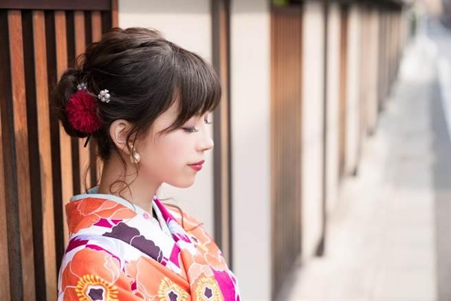 櫻花妹就是夯!日推「少女髮香炸雞」 網超想吃(示意圖/達志影像)