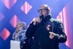 影》波蘭市長當眾遭刺心臟 男恐怖行徑全都錄