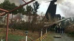 影》降落失控!伊朗軍貨機墜毀住宅區 15人罹難