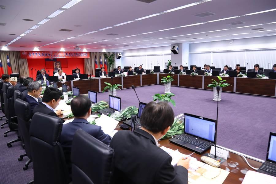 首場行動市政會議15日移師台中最偏遠的和平區谷關。(盧金足攝)