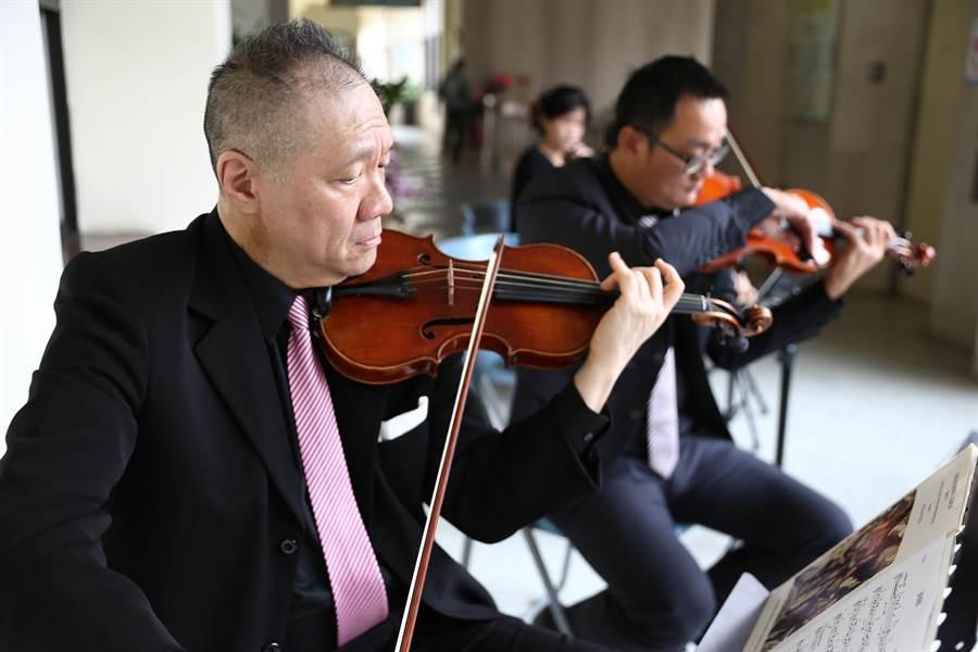 慶祝新春,新竹縣文化局演藝廳將於24、27日舉行盛大音樂會。(徐養齡攝)