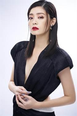 女星夏如芝用春妝展現女神魅力