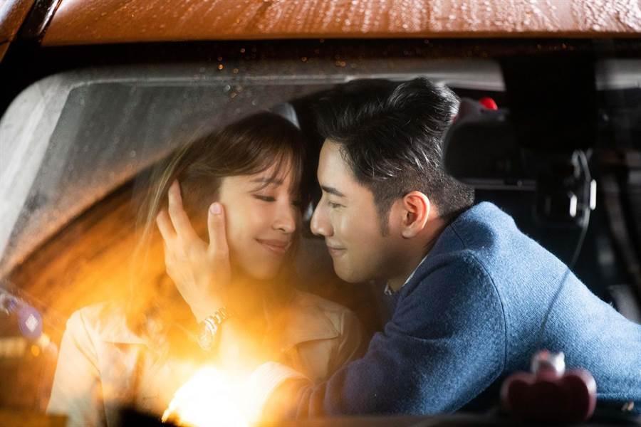 袁詠琳日前拍新單曲〈終於勇敢了〉MV。(杰威爾提供)
