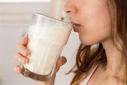 一喝牛奶就拉肚子怎麼補鈣?胃腸科醫師3招克服